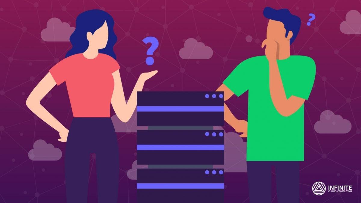 Fundo em degradê roxo sobreposto por nuvens que são sobrepostas por duas pessoas em dúvida ao redor de um servidor de internet.